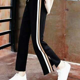 Track pants with sliy