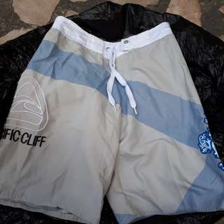 Pacific cliff boardshorts for boys size 10