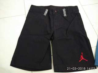 Jordan cement shorts boy toddler 3 4 years T black red bred cement blue