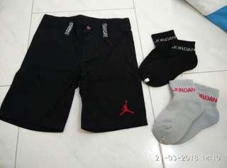 Jordan kid 4 T year short socks crew black