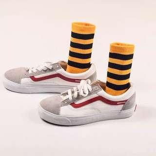 全新 黃色黑條潮流中筒襪