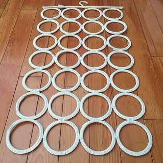 Ikea 圈圈圍巾收納吊飾(米白色)