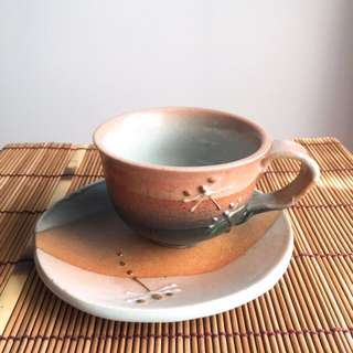 (Made in Japan) Dragonfly ceramic cup with saucer (pink-orange)