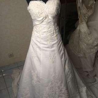 Saleeee wedding gown
