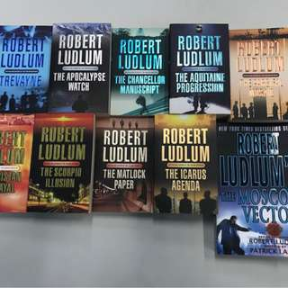 Robert Ludlum Series fiction books