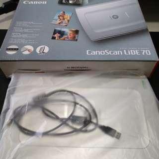 Canon LiDE70 Scanner