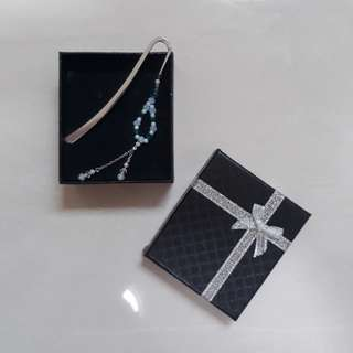 Swarovski crystal bookmark ( handmade / customise )