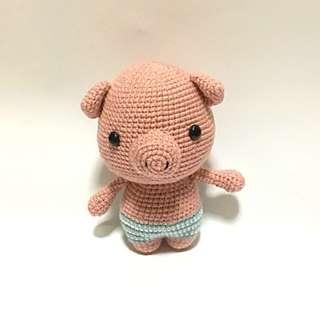 Pig in Swimming Trunks [Amigurumi]