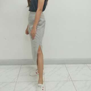 Gray High-waist Skirt with slit