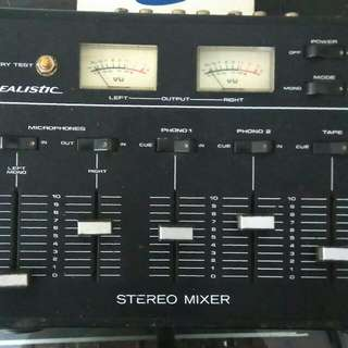 Mixer merek REALISTIC