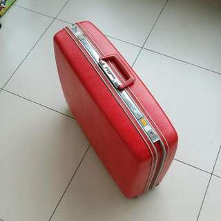 1970s Cute Red Pink Vintage Samsonite Silhouette Luggage