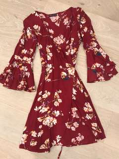 👗 Red floral wrap dress