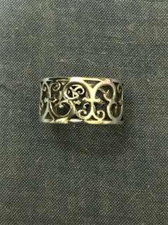 Tiffany & Co. 戒指(直徑約1.7cm)