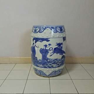70s Blue and white porcelain stool with underglaze blue painting height 48cm diameter 29cm perfect condition