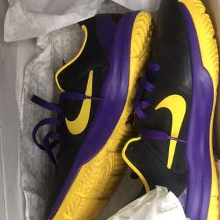 Preloved kobe shoes 100% legit