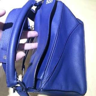 Loewe 細size 深藍色 8成新