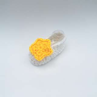 BABY BOOTIES: Baby Shoes, Star Booties (Crochet)
