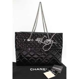 CHANEL A50979 黑色漆皮 Mademoiselle仿古銀鏈肩背袋 購物袋 手袋