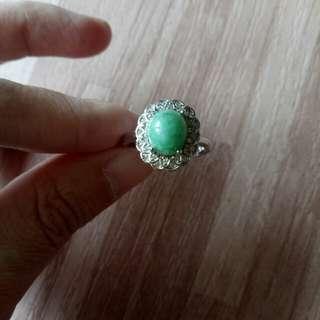 特價天然翡翠A貨陽綠戒指