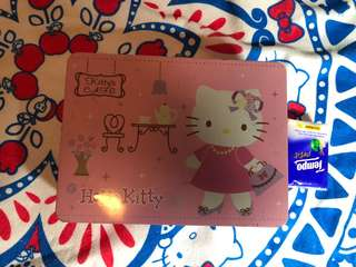 Hello kitty 鐵箱