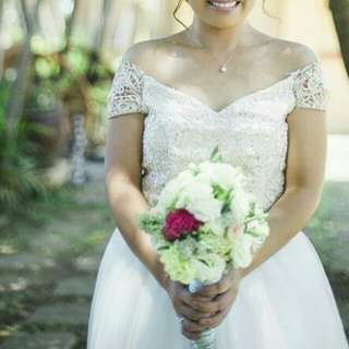 Bridal gown for rent 😍😍😍