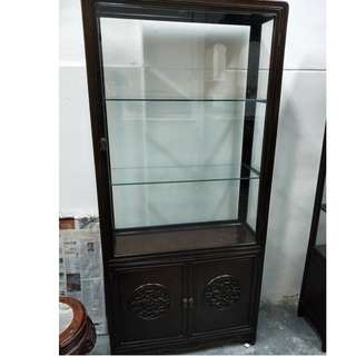 老酸枝木摆设橱。Old Blackwood Display Cabinet.