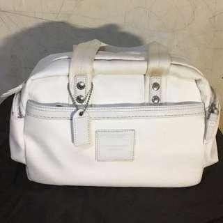 Coach二手米白色帆布多夾層短提把附白吊牌手提包(米白色內裡)