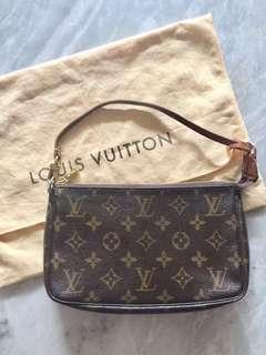 ‼️REPRICED‼️Authentic Louis Vuitton Monogram Pochette