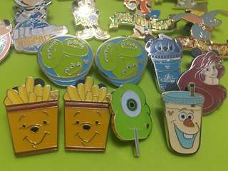 Disney pin food car 迪士尼襟章徽章 美食車