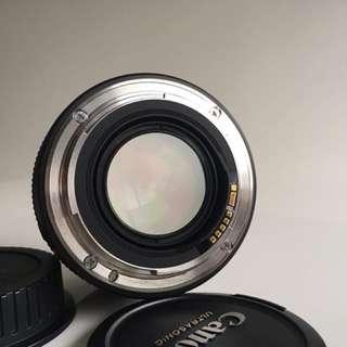Canon 50mm F1.4 (含B+W保護鏡)