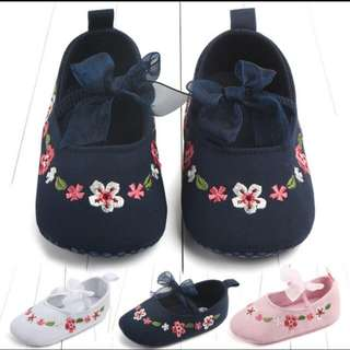 Baby embroidery shoe