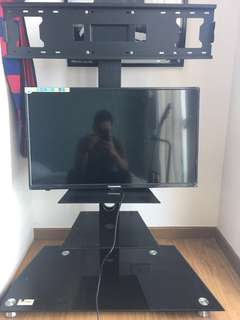 """32"""" LCD + Stand"""