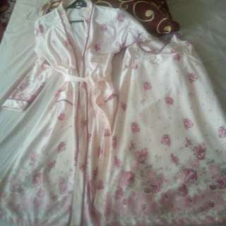 Sexy nighties w/long sleeve robe