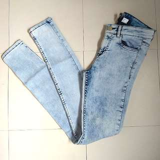 Original H&M Divided Washed Out Jeans