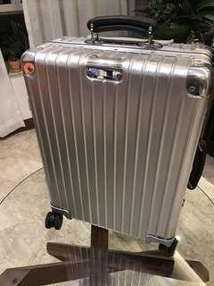 Rimowa Classic Flight Cabin Size