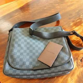 Louis Vuitton Daniel MM Dam Graphite