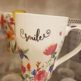 Shabby chic mugs