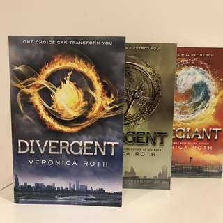 $14 for Divergent Series by Veronica Roth Paperback (Divergent, Insurgent and Allegiant)