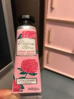 Loccitane pintoine flora hand cream