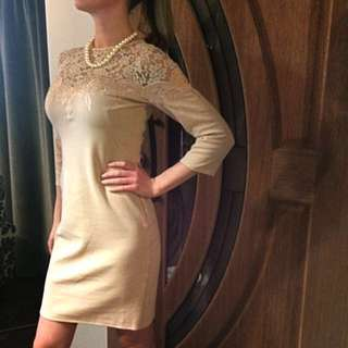 Nude coloured dress withlace