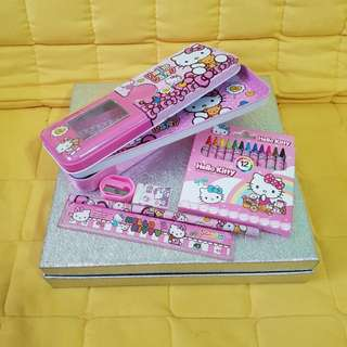 Hello Kitty pencil case set