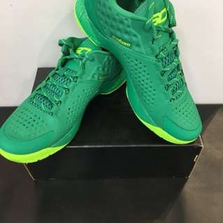 Under Armor Curry Low cut  new
