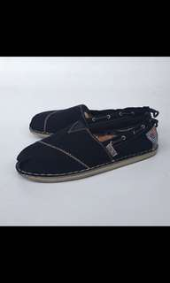 Toms ladies shoes in navy size 38.5