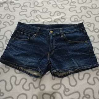 UNIQLO woman short pants
