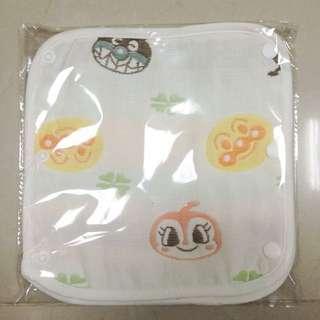 嬰幼兒背袋側邊口水巾
