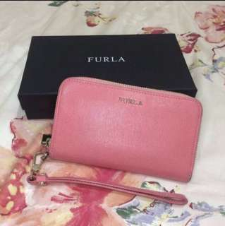 Furla Babylon Saffiano Wristlet zip around wallet