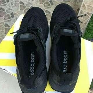 Adidas  Ultraboost Triple Black.
