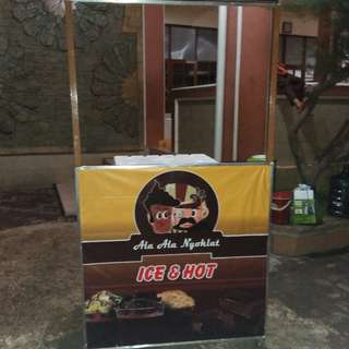 gerobak booth bekas jualan nyoklat