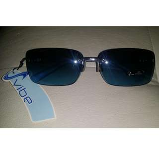 BNWT Vibe blue tinted sunglasses with hand polished frames UV protection