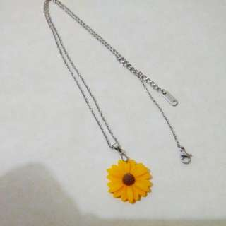 Yellow Mum Necklace